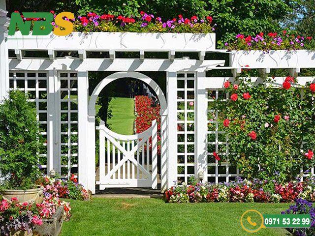 Cổng trong thiết kế nhà vườn cần cân xứng với tổng không gian